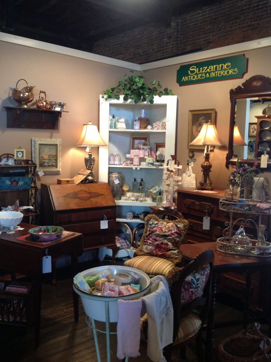 Suzann Antiques and Interioirs